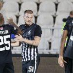 Kleknuo je pred Grobare, pa salutirao ka tribini: Proslava Ožegovića posle prvog gola za Partizan